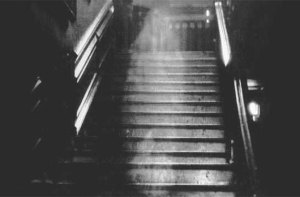 "The famous photo of the ""Brown Lady"" ghost, or the spirit of Lady Dorothy Townshend in Raynham Hall, Norfolk, New England via http://www.ascensionearth2012.org/2014/02/the-brown-lady-ghost.html"