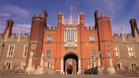 Hampton Court Palace- London